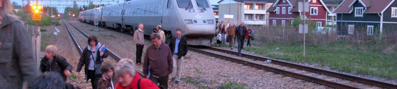 Inställt tåg pga. brand vid banvall, Hedemore, evakuering,